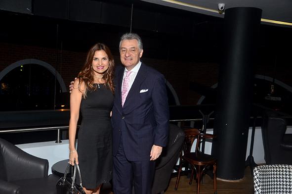 Mónica Urrutia y  Henry Avila